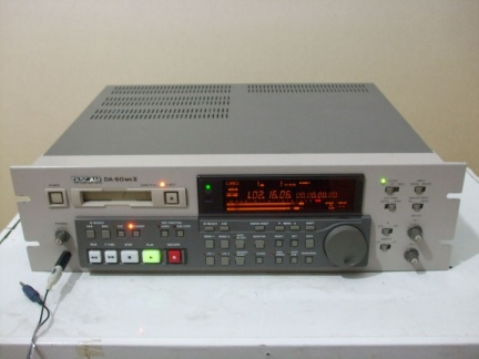 ++  ca. 1993.c.  Tascam DA-60 MK II  - sample of DAT profi deck