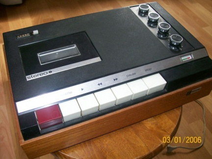 +++   1966.c.  Philips EL3312= first world's stereo ''compact-cassette'' recorder