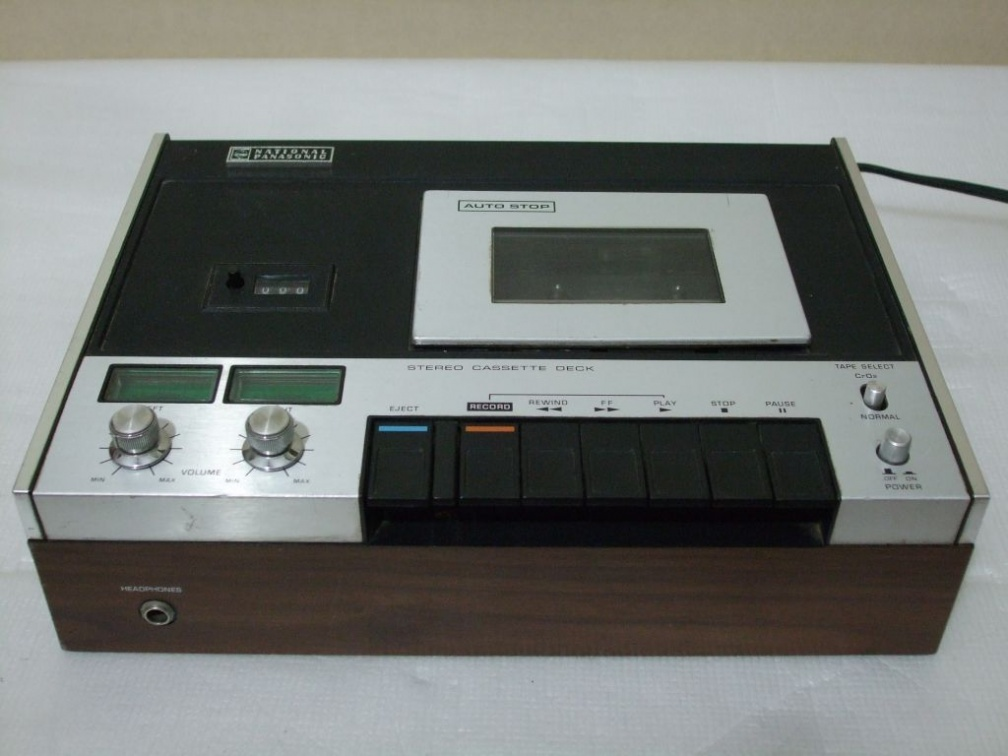 +  1972.e.  National Panasonic RS-260US