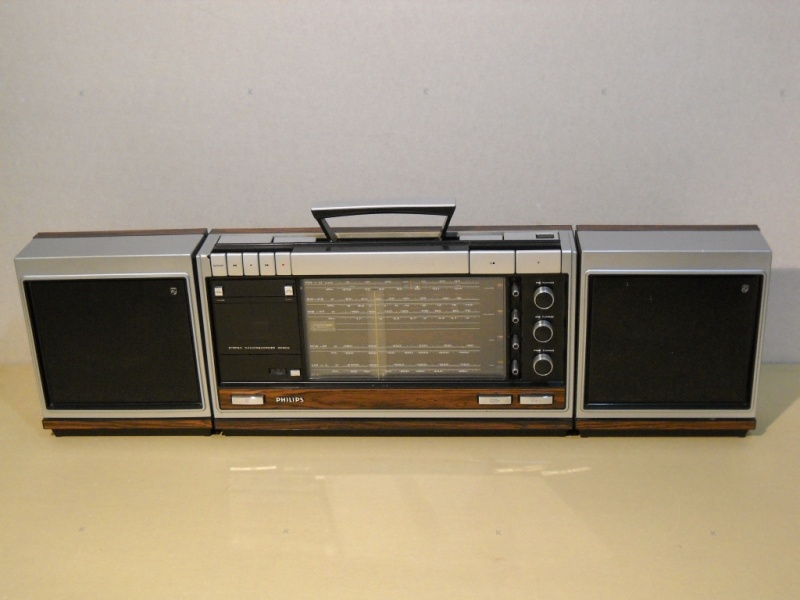 +++  1972.d.  Philips 22RR800 = first european portable stereo r-r