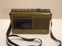 1976.a. ++ Philips N2207 - portable item using plastic chassis and mechanics