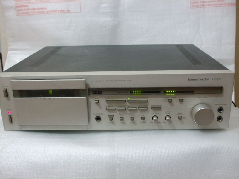 ca1986.e.Harman Kardon CD101.jpg
