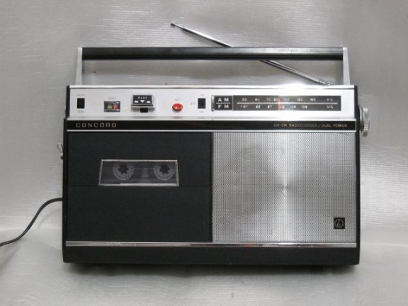 ++ 1967.k.  Concord F-103/National RQ-231 = first japanese radiorecorder with ''compact-cassette'' (TM)