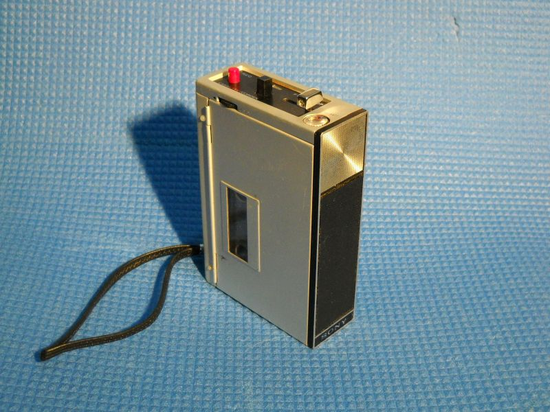 +++  1968.a. Sony TC-50  = first ''compact-cassette'' voice recorder